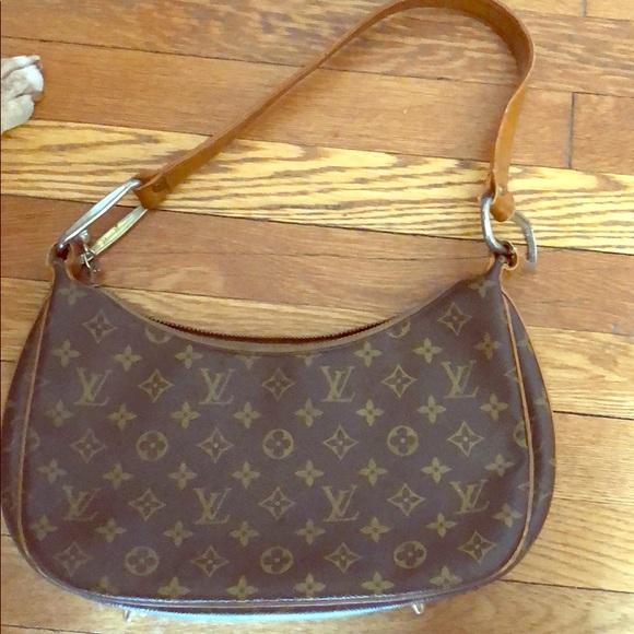 c17dc56081e Louis Vuitton purse